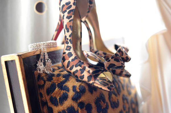 leopard print wedding shoes.. #leopardwedding