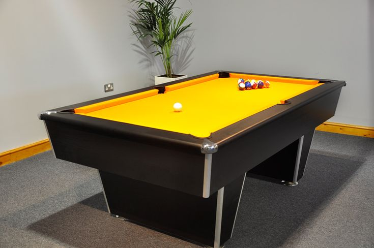 Signature Harvard Pool Table | The Harvard pool table has a 19mm ground slate bed, to provide the optimum playing experience. The slate is covered in high quality Hainsworth American style worsted Elite Pro cloth.