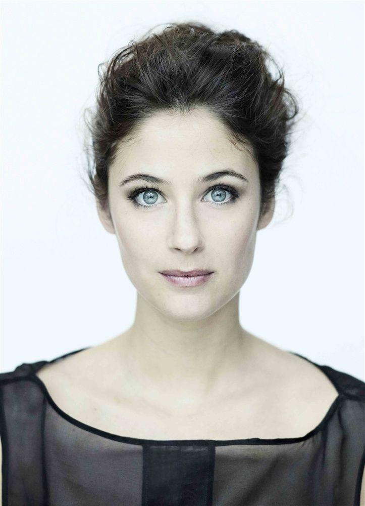 Mélanie Bernier- Fiche Artiste - Artiste interprète - AgencesArtistiques.com : la plateforme des agences artistiques