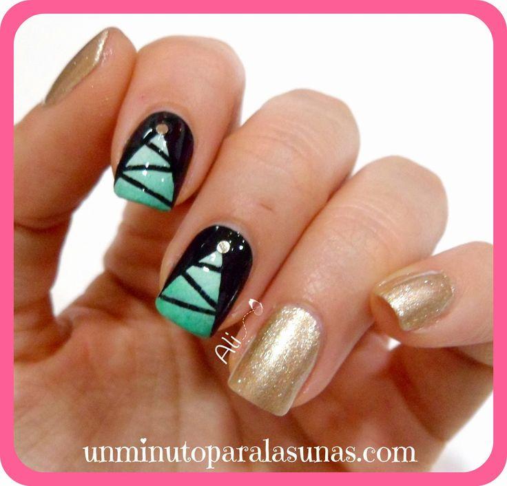 Un minuto para las uñas: Manicura Navideña - Árbol Degradado con Nail Tape