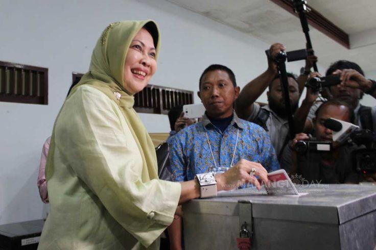 """Kemenangan Dewanti dan Punjul Tidak Mengagetkan https://malangtoday.net/wp-content/uploads/2017/02/Dewanti-Rumpoko.jpg MALANGTODAY.NET –Kemenangan Dewanti Rumpoko dan Punjul Santoso tidak mengagetkan. Karena dua kali survey Lembaga Survey Indonesia (LSI) keduanya selalu mengantongi kemenangan. """"Karena dalam survey selalu setia sebagai pemenang di kisaran antara 45 persen sampai 47 persen,"""" ... https://malangtoday.net/malang-raya/kemenangan-dewanti-dan-punj"""