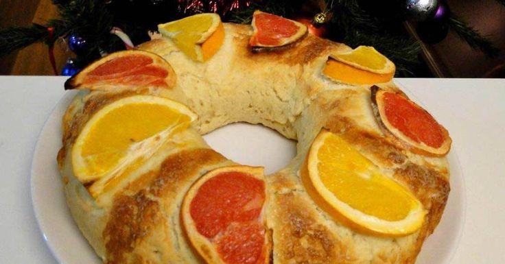 Se acerca el día de Reyes, y por eso hoy os voy a enseñar cómo preparar un riquísimo Roscón de Reyes sin azúcar, apto para diabéticos