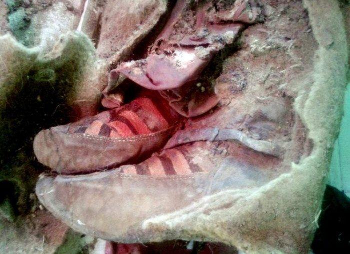 Momia de 1500 años con tennis ADIDAS ¿prueba la existencia de los viajeros en el tiempo? – Las Nius