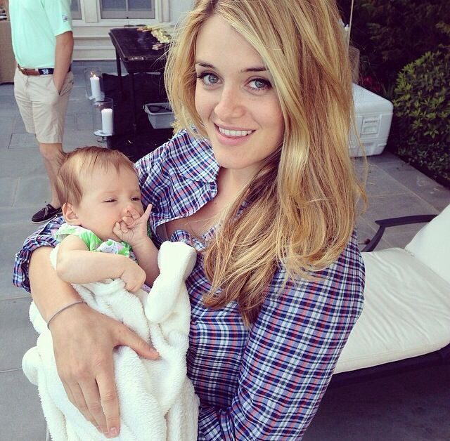 Daphne Oz and her daughter Philomena