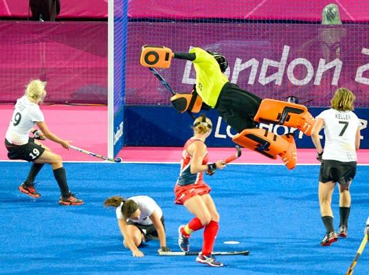 TK-goalie Amy Swensen. United States. Olympic field hockey game