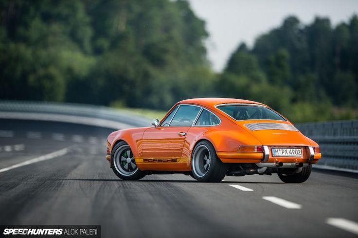Brass Knuckles In A Velvet Glove: The Lightspeed Classic || Porsche 911