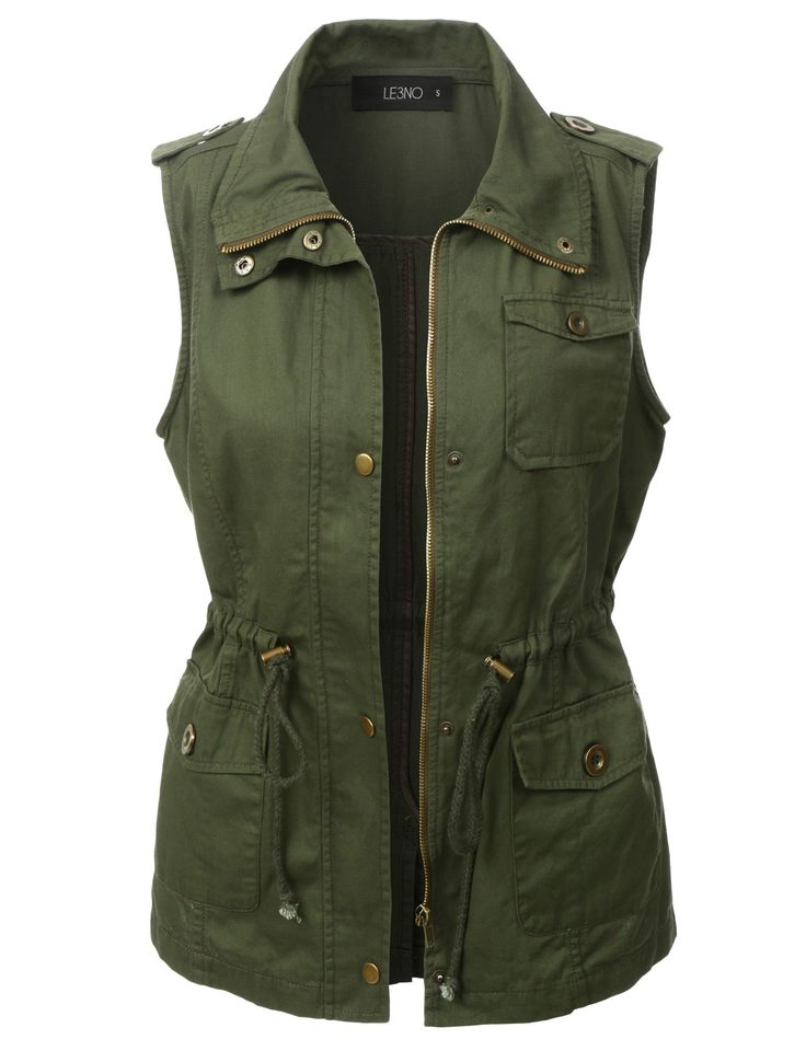 Give your outfit a flare of the military trend with our utilitarian green anorak vest. Layer our basic racerback tank top underneath with distressed skinny jeans for an effortless stylish look. For an