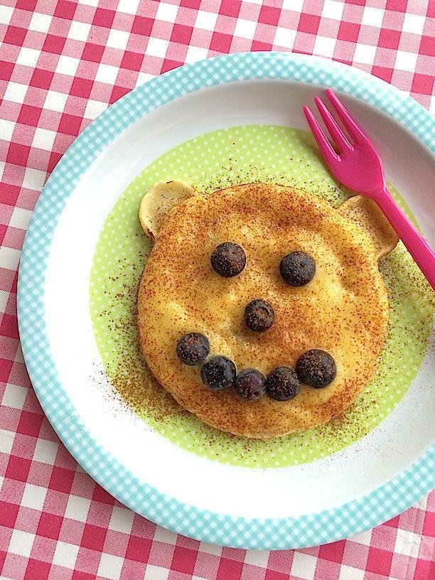 Happy bear kids pancake with fruit mousse | Vrolijke beer pannenkoek met fruit mousse | Kleine Kokkies recept op www.francescakookt.nl