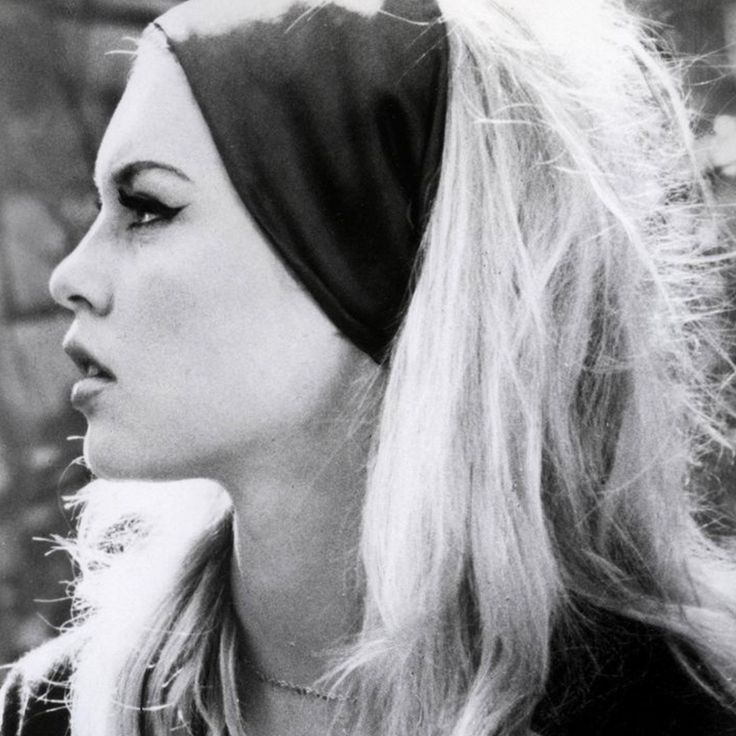 With dreamy eyes, full, pouty lips and the best head of hair we've ever seen, these 5 beauty tricks get you looking like Brigitte Bardot in a flash.