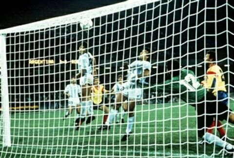 Argentina 1 Romania 1 in 1990 in Naples. Pedro Monzon heads Argentina into the lead on 63 minutes in Group B #WorldCupFinals
