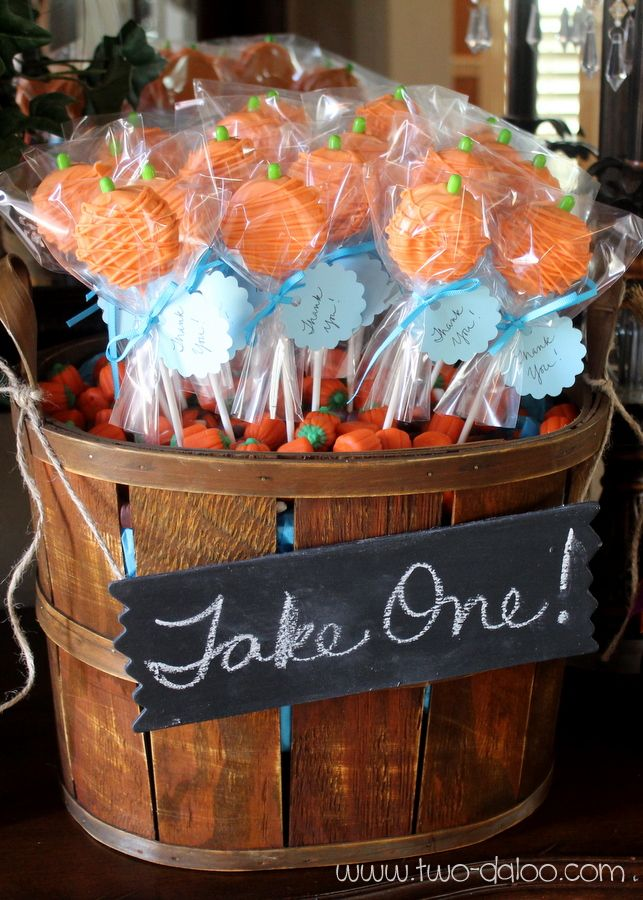 make a cute basket of pumpkin pops for your halloween party or thanksgiving celebration - Halloween Party Supplies