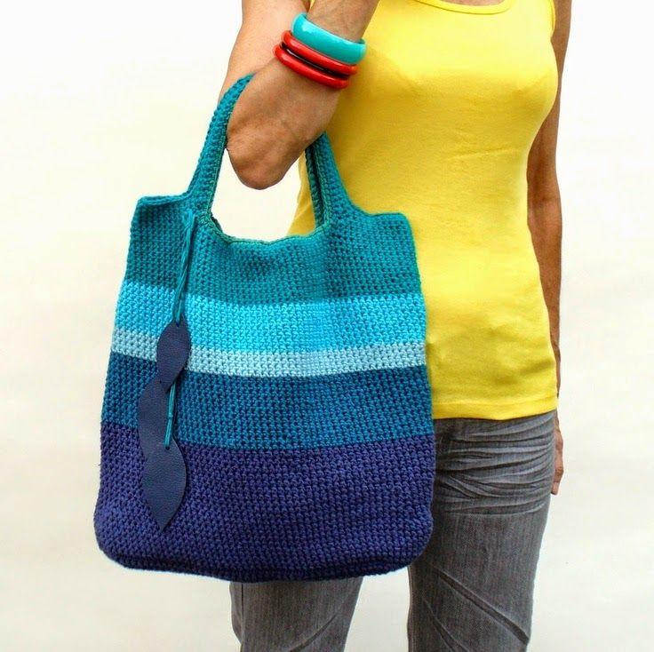 OLà Fiorellini, tudo bem com vocês ?  finalmente apareci por aqui e trouxe essas lindas bolsas de crochê para nos inspirar.  bom fim de sem...