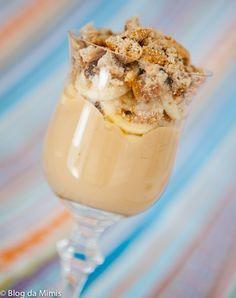 Taça de caramelo e banana  blog da mimis  Ingredientes:  – 1/2 litro de leite desnatado  – 1 pacote de pudim diet sabor caramelo  – 3 bananas  – 12 cookies integrais