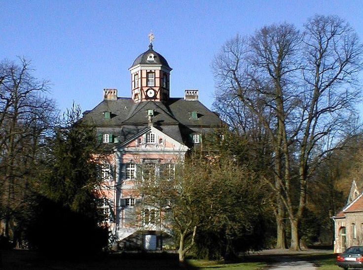 Schloss Arff in Dormagen Hackebroich - Aufnahme von August 2011