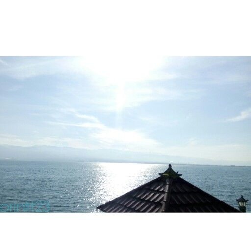 Dont let the #shine break your #holiday  #palu #indonesia #travelling #sea #sky #cloud #beach