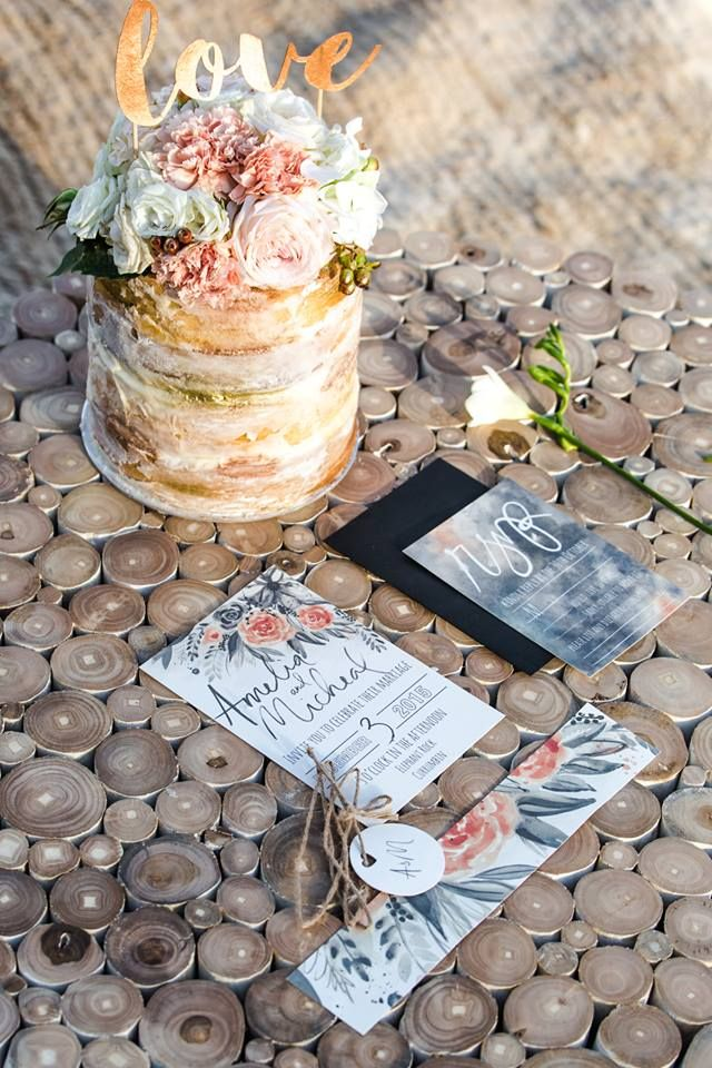 Capturing Coast Chic with these watercolour invites for a styled shoot at Elelphant Rock, Currumbin. The grey and peach florals adds a stormy Coastal feel.