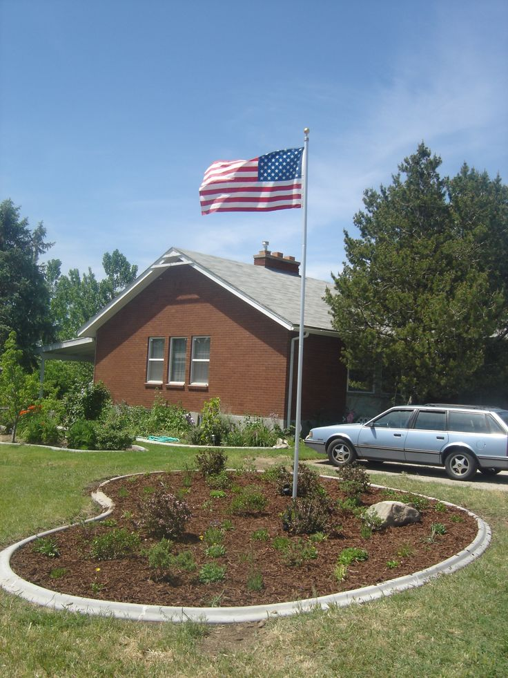 yard flag pole best 25 flag pole landscaping ideas on circle 1204