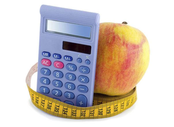 How can I calculate the calories I eat in order to lose weight?