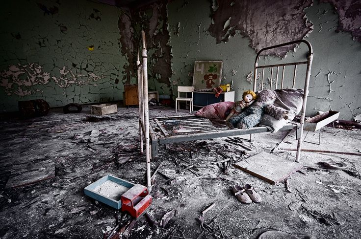 Pripyat, Ukraine   Chernobyl   http://moonlightohio.deviantart.co/art/15224-206369503