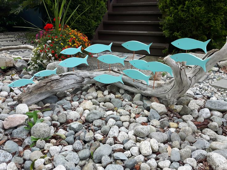 This garden project was inspired by several indoor variations done by other Pint…