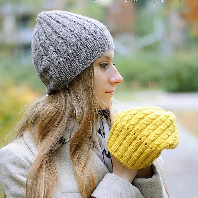 Доброе утро, друзья 🍀 На градуснике +3, а у меня свободны 2шапочки.  Шапки из Альпаки от  #lanagrossa 2 цвета в наличии, цена 1800 руб. На размер головы примерно  55см.  #вяжутнетолькобабушки #hat #вяжушапки #шапкакошка #куплюшапку #продамшапку #masalykinstile #handmade #knitstagram #knitting #knitlove #lanagrossa #alpaca #instaknit #iloveknitting  #woolenbike_шапка #woolenbike_вналичии
