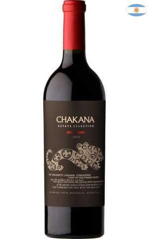 Chakana foi fundada em 2002 pela família Pelizzatti.É uma vinícola dedicada ao estudo e compreensão de alguns dos melhores terroirs da Argentina, com o objetivo de produzir vinhos autênticos que expressam a identidade e o caráter de seu soloSobre oChakana Estate Selection Red Blend 2013 750 ml- Conteúdo:750 ml- Tipo:Tinto- Safra: 2013- Serviço: 16°C - 18°CElaboração- Castas: Cabernet Sauvignon(20%), Malbec(60%) e Syrah(20%)- Teor Alcoólico:14,5%Produtor- País:Argentina…