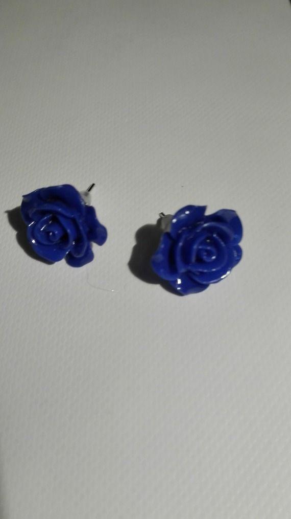 Boucles d'oreilles clou en forme de rose - bleu foncé 10mm