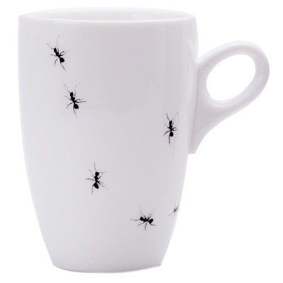 A super cute and minimalistic handmade mug, perfect for your favourite hot drink. Fits perfectly under a Nespresso machine. A great gift idea for a tea or coffee lover. Love Milo Ants Mug from Faithful to Nature. Eco-friendly product from South Africa. Affiliate link.