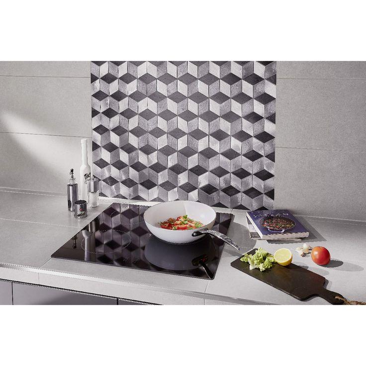 Mélangez les coloris gris clair, gris moyen et gris foncé du carrelage Rhodium pour obtenir un style original et moderne.