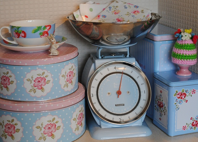 The 25 best cath kidston kitchen scales ideas on for Cath kidston kitchen ideas