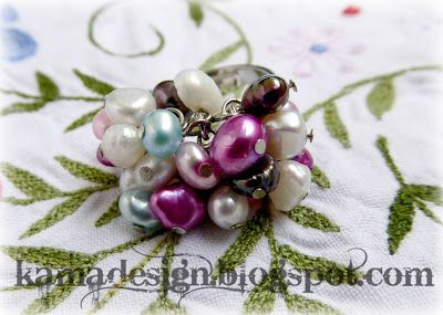 Ring with freshwater pearls