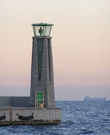 Port Gdynia South Breakwater Light Poland anonymous Wikimedia Creative Commons photo