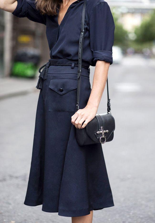 les 25 meilleures id es de la cat gorie jupe fluide sur pinterest tenue jupe midi tenues de. Black Bedroom Furniture Sets. Home Design Ideas