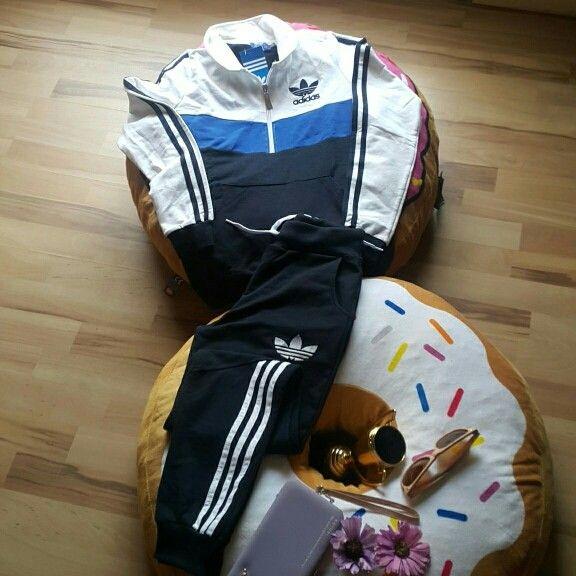 Divino Chandal Adidas Nuevo con etiqueta  talla 34=S  a super precio