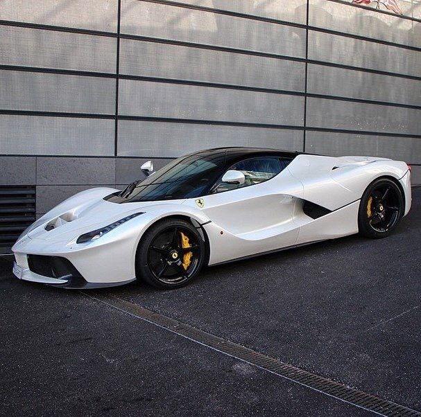 Superior Ferrari LaFerrari