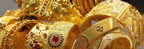 Goldschmuck Ankauf Seit alters her betont goldener Schmuck die weibliche wie männliche Schönheit. Dennoch kann es sein, dass Sie Ihren Schmuck aus Gold verkaufen möchten. In diesem Fall bieten wir Ihnen faire Ankaufspreise von bis zu 43 Euro pro Gramm.