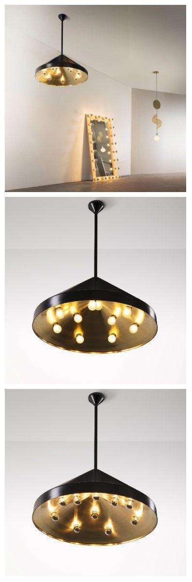 """""""Электрический танцпол"""" напоминает вальсирующие пары из лампочек или даже НЛО спускающееся на землю. Лампа изготовлена из полированной латуни конической формы и оснащена десятью рассредоточенными круглыми лампами. Есть так же вариант с затемненными лампочками и аналогичного типа зеркало с подсветкой. #лампа #лампы #светильники #светодиоды #светодиодныелампы #светодиодныесветильники #освещение #дизайн #интерьер #дизайнинтерьера #дизайнквартир #зеркалосподсветкой  #свет #зеркала"""