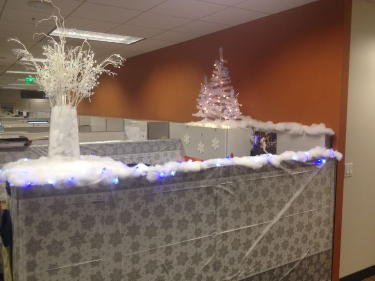 Christmas cubicle decorating so this is christmas for Cubicle decoration xmas
