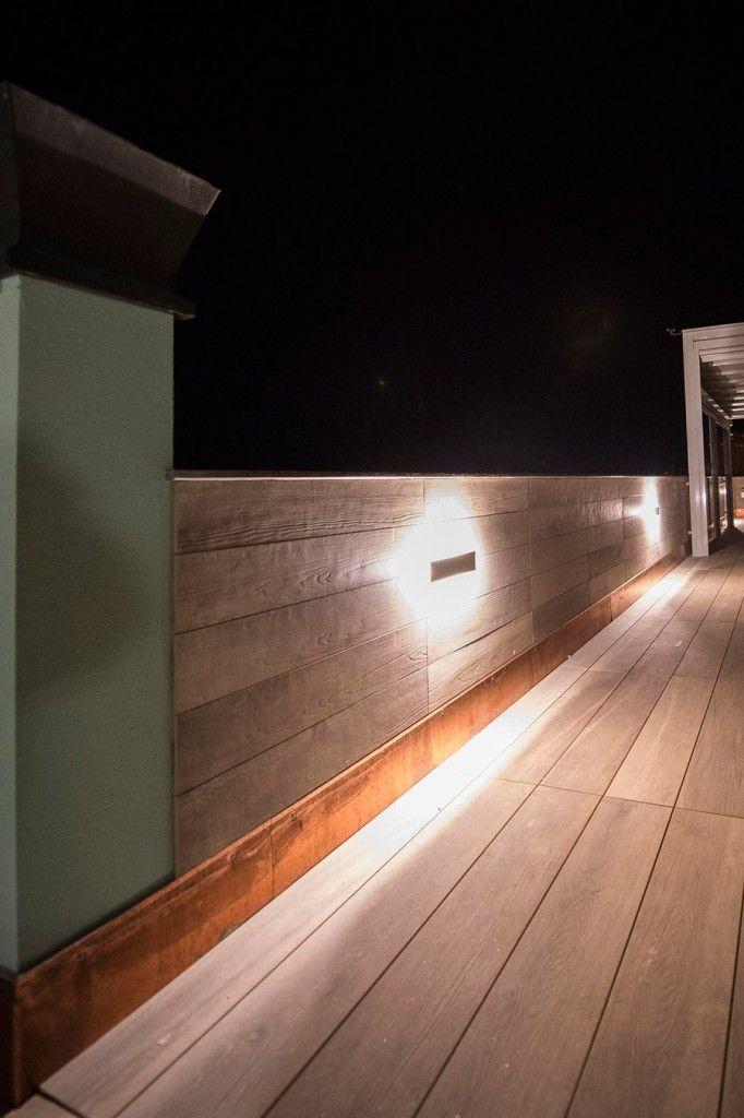 Realizzazione di pavimentazione e rivestimenti di un terrazzo privato.
