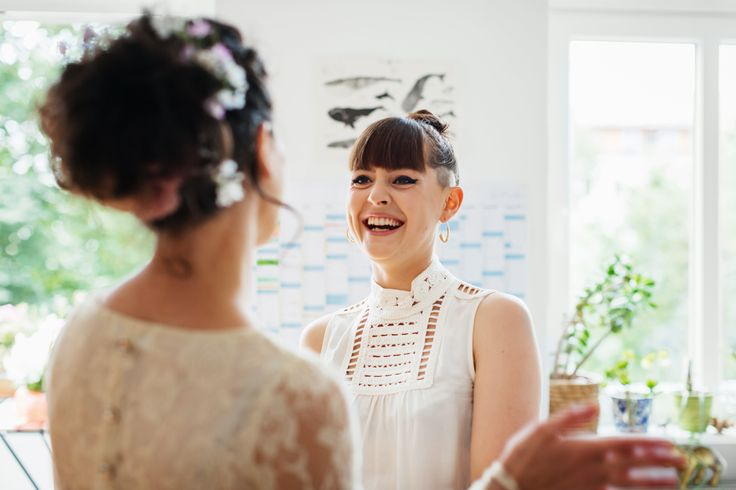 A Woman Had To Explain To Her Friend Why She Couldn't Wear A White Dress To A Wedding | HuffPost UK