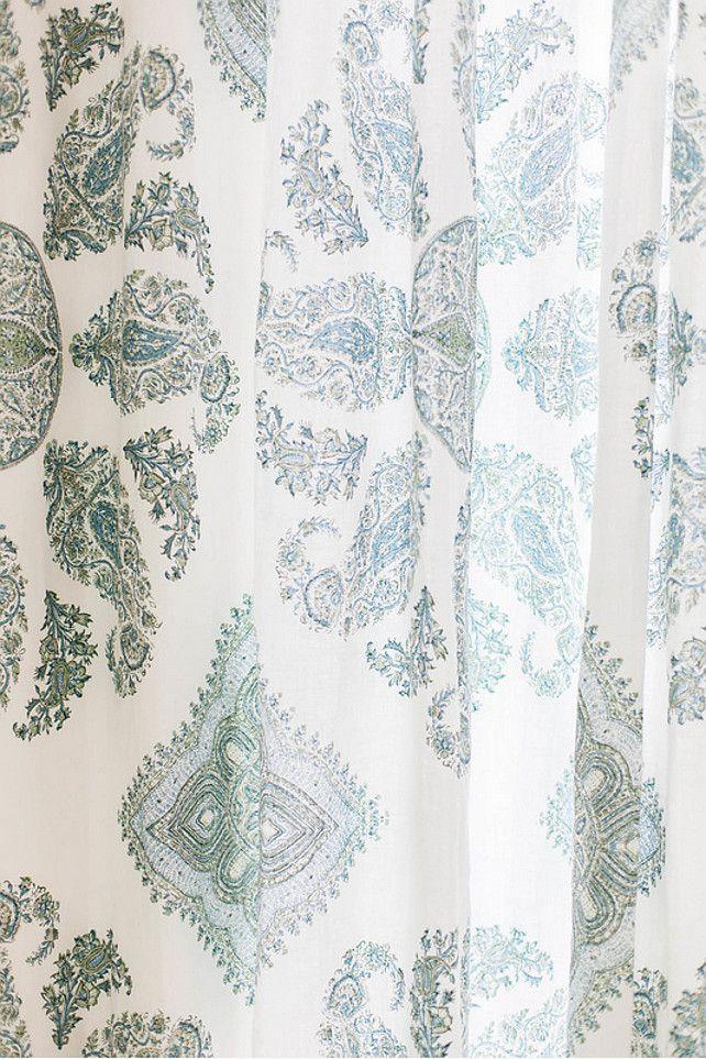 Fabric Ideas. Drapery Fabrics. Light drapery fabric. #Draperyfabric #Fabric #Drapery  Ashley Winn Design.