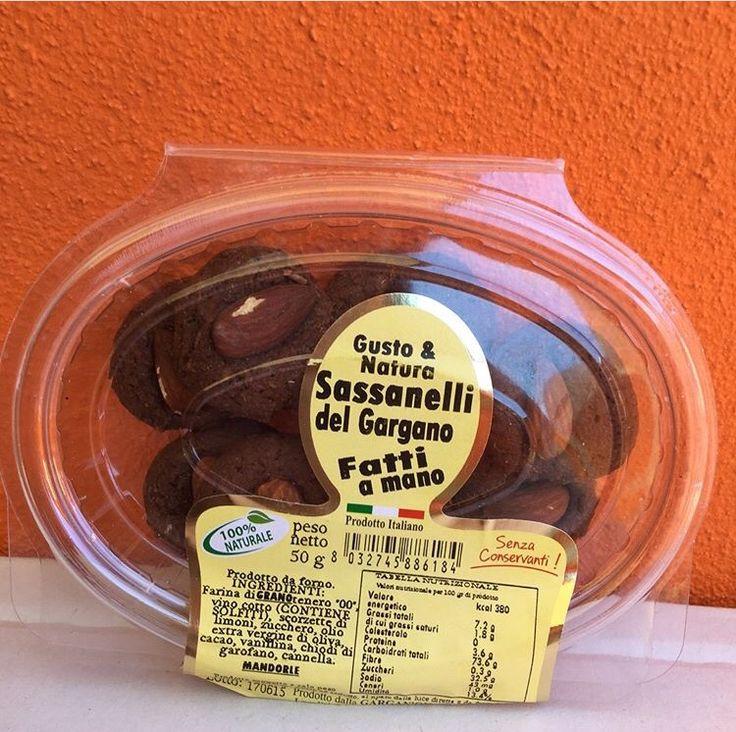 Новое в итальянских сладостях: хрустящее печенье ручной работы Gargano Sapori  Sassonelli💛 Cartellate❤️ Mandoratti Печенье выпекают к Рождеству в Фодже. Очень популярно в Калабрии и Базиликате