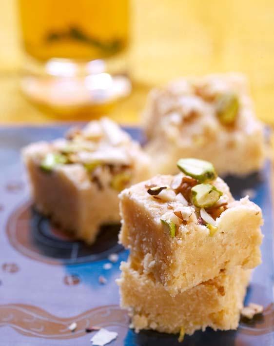 Coconut and nut fudge