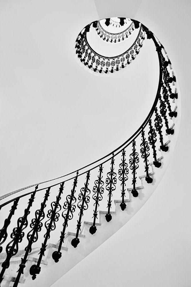 Beautiful architecture! Staircase. Interior design.