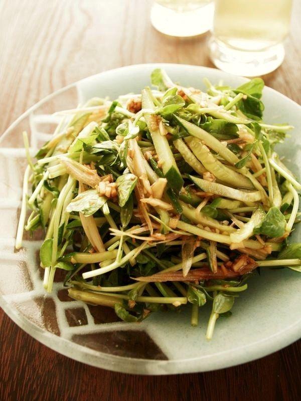 豆苗とキュウリで♪うま辛タレのシャキシャキ中華サラダ by ヤミー ...