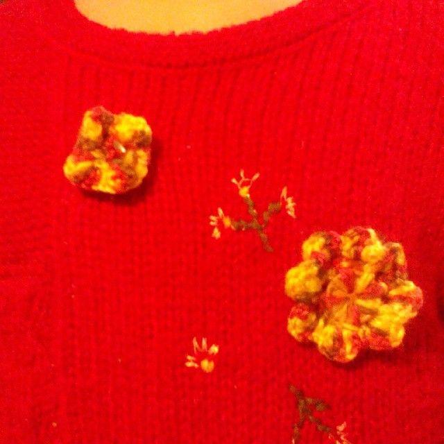Bottoncini di lana riparazione veloce per un piccolo danno alla maglia