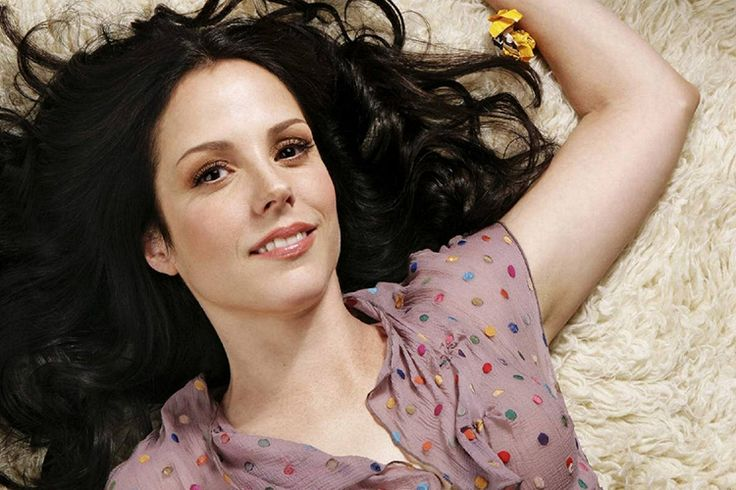 Agáchate por favor, Mary Louise Parker