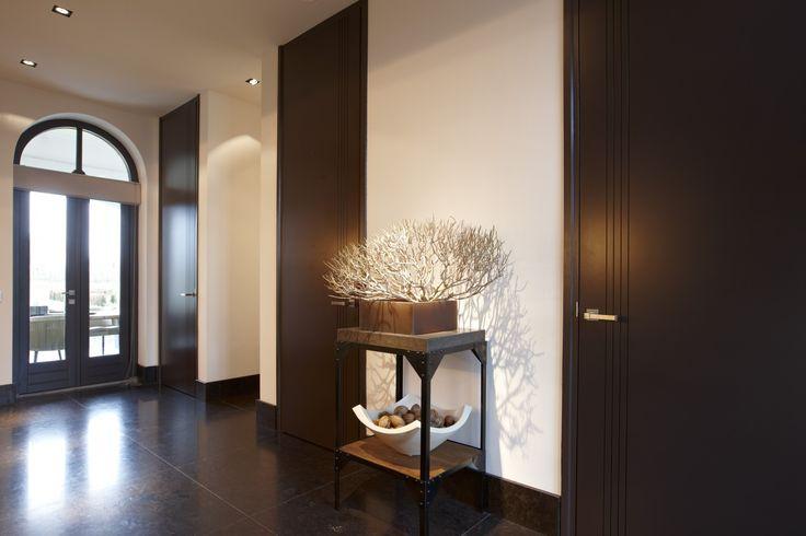Hal met deuren van Bod'or - Design by Marcel Wolterinck - Residential - Deuren: Le Trait