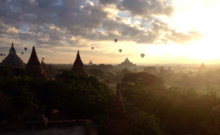 Days 38-39: Temples of Bagan, Burma. The most beautiful sunrise ever!