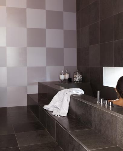 Set De Baño Relajante:Baño relajante rodeado de tonos grises